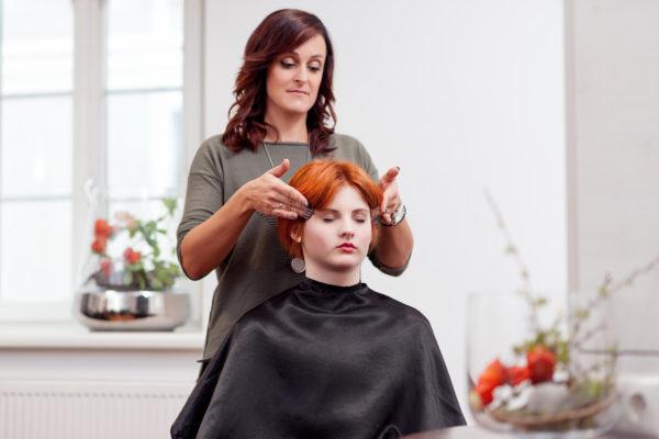 Kopfmassage beim Friseur - ein tolles Gefühl